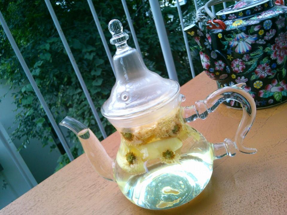 菊花茶を楽しむ季節_f0070743_10373060.jpg