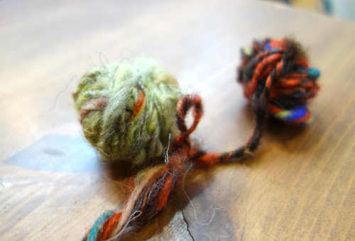 きょうの毛糸〜貴重!『糸』紡ぎ体験ワークショップ。気分は「眠れる森の美女」_a0017350_15275071.jpg