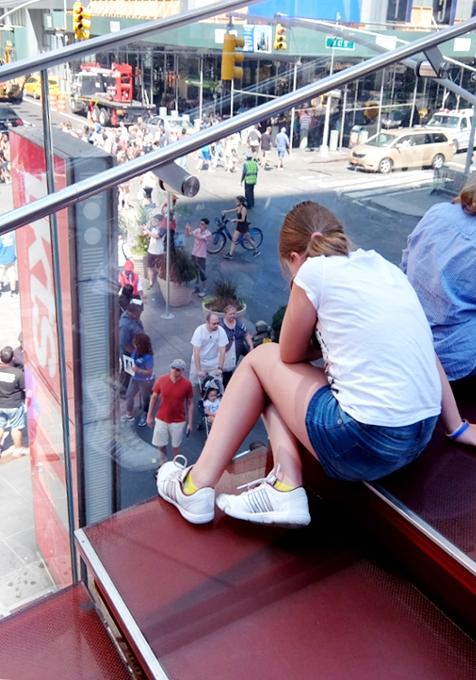 NY観光の中心地、タイムズ・スクエアの見所情報_b0007805_1034238.jpg