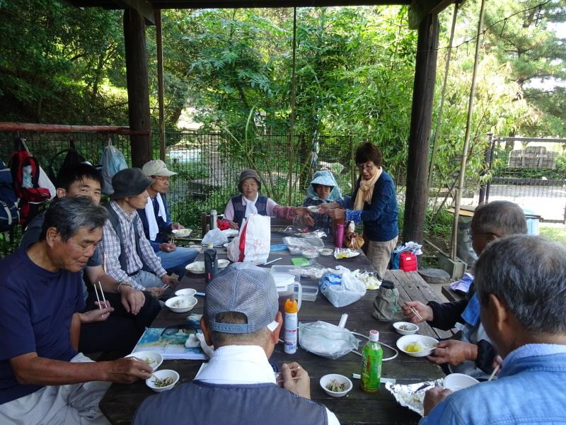昼食は「原田レストラン」で・・・? in うみべの森_c0108460_20151313.jpg