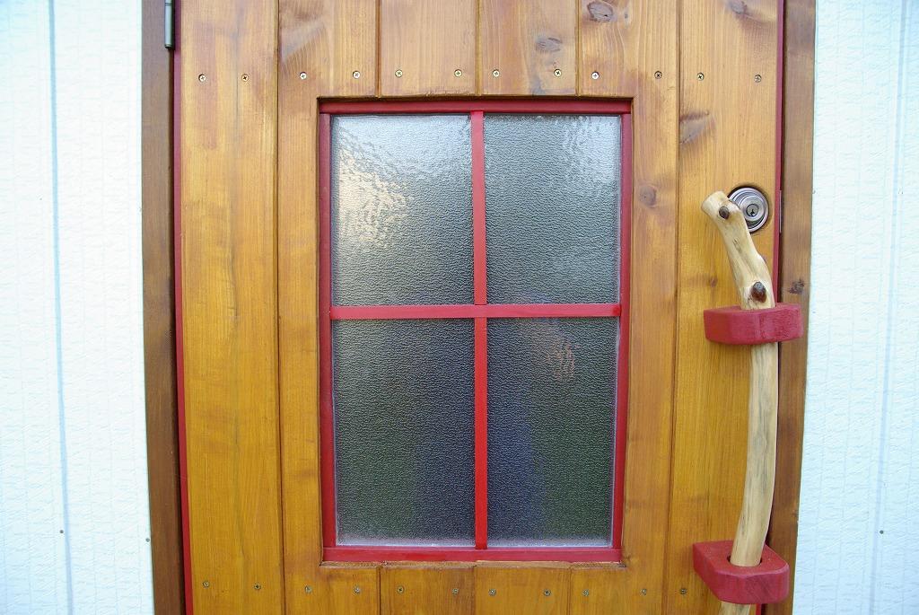 小屋作り・鍵穴と床の断熱材編_a0107184_212579.jpg