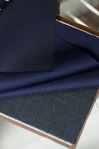 紺ブレで完成するスタイル。_b0081010_06099.jpg