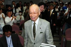 大村さん、お目出度うございます。_b0084241_22373765.jpg