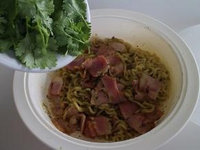 パクチー好きなのでベトナム麺パクチー祭をしました_c0030645_2037774.jpg