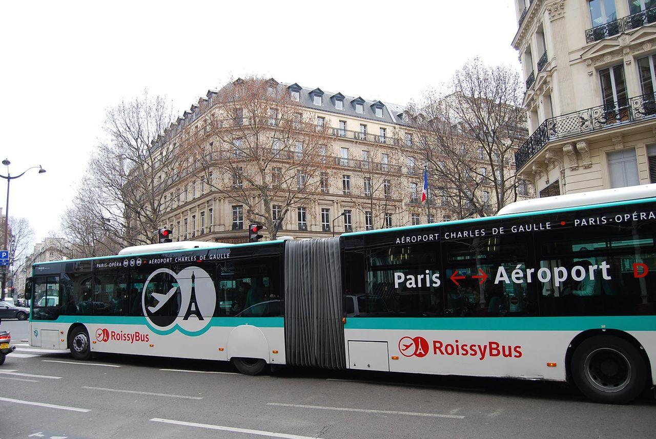 パリシリーズ  シャルル・ドゴール空港行きロワシーバスの遅延_b0011584_11584340.jpg