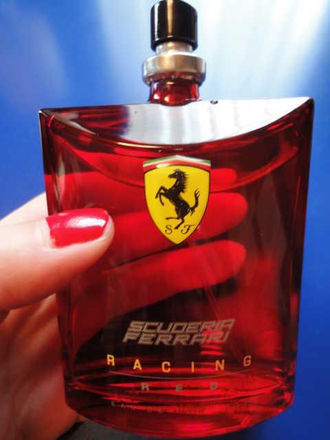 フェラーリから香水?_d0339884_17523002.jpg