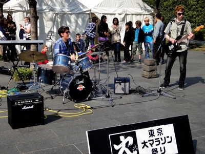 東京マラソンってお祭り?_d0339884_17561828.jpg