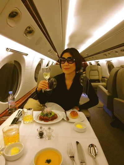 プライベートジェットで香港へ☆_d0339884_17565222.jpg