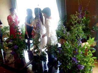 花のサークルに招かれて!_d0339884_17574234.jpg