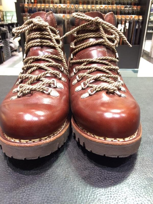 登山靴(パラブーツ)の街履き用お手入れ!_b0226322_10531951.jpg