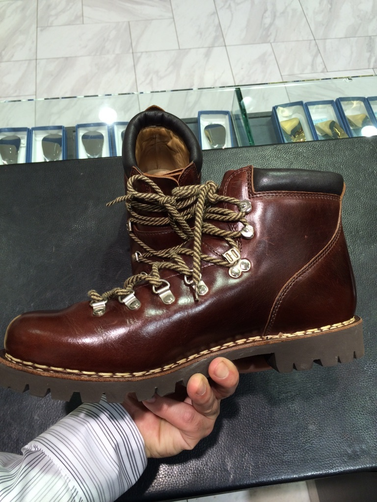 登山靴(パラブーツ)の街履き用お手入れ!_b0226322_10532181.jpg