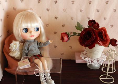 ブライス用ドルハに秋色のお花を飾りました_a0275527_23515223.jpg