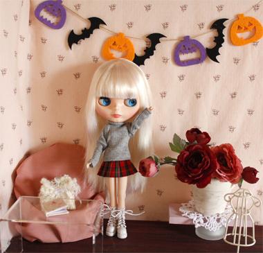 ブライス用ドルハに秋色のお花を飾りました_a0275527_23520184.jpg
