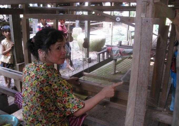 カンボジアで紙芝居_d0339680_11451541.jpg