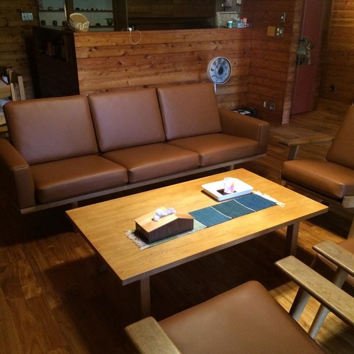 ソファーや椅子の生地の張替え_c0278510_11414577.jpg