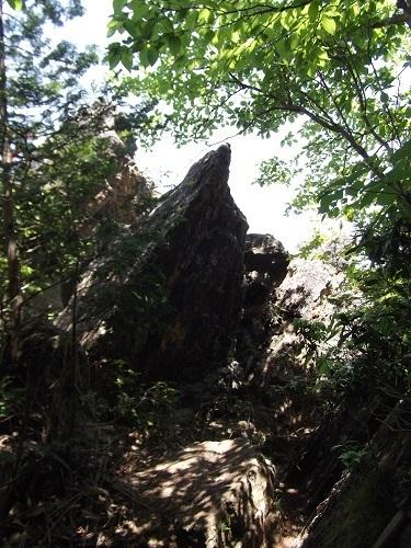 御岩神社3 頂上にある石2つ_a0064067_15112431.jpg