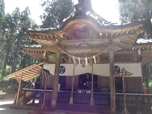 御岩神社1 御岩神社本殿へ_a0064067_15322148.jpg