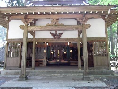 御岩神社1 御岩神社本殿へ_a0064067_15323424.jpg
