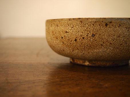 馬渡新平さんの5寸鉢(ひび粉引き)_b0322280_191268.jpg