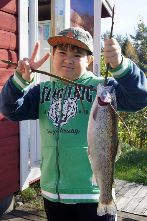 大きな魚が釣れました!_d0241813_03032660.jpg