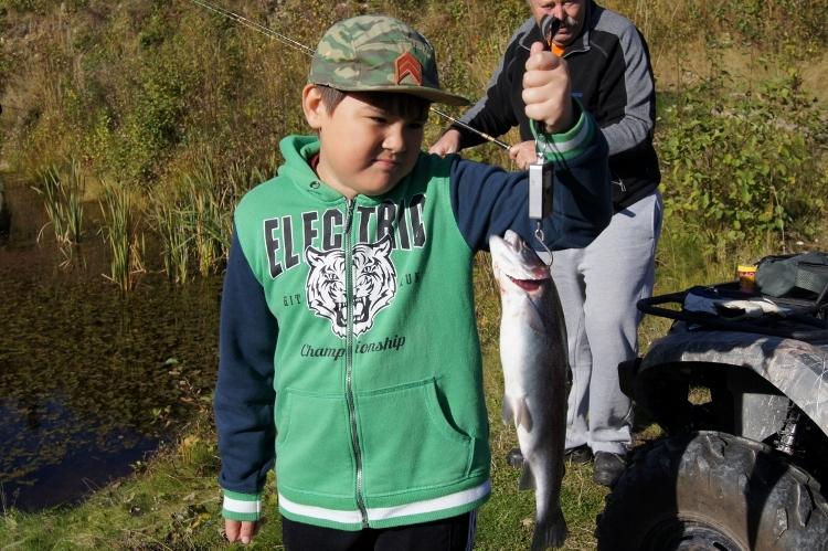 大きな魚が釣れました!_d0241813_03040258.jpg