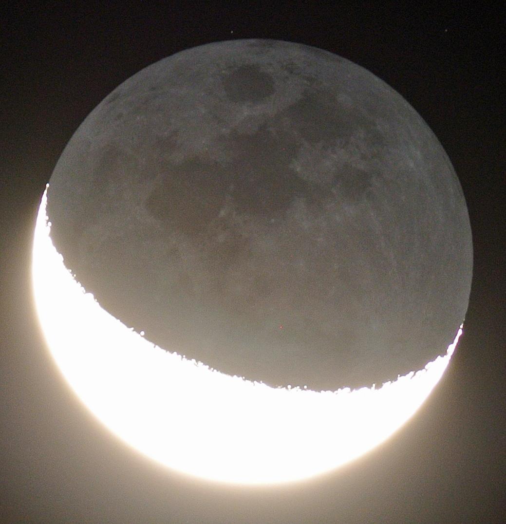 未明の月&地球照、そしてオリオン座(2015年10月8日、月齢24.5)_e0089232_03390686.jpg