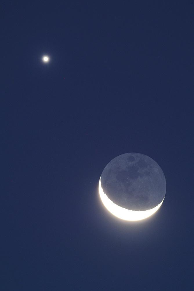 月と金星のランデブー(2015年10月9日、月齢25.5)_e0089232_05164553.jpg