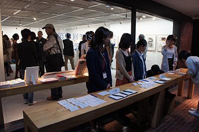 TIS公募受賞作品展が開催中です。_f0171840_10373521.jpg