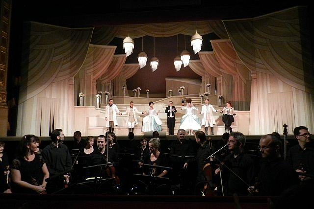 ハンガリー国立歌劇場「コジ・ファン・トゥッテ」_e0022175_1084773.jpg