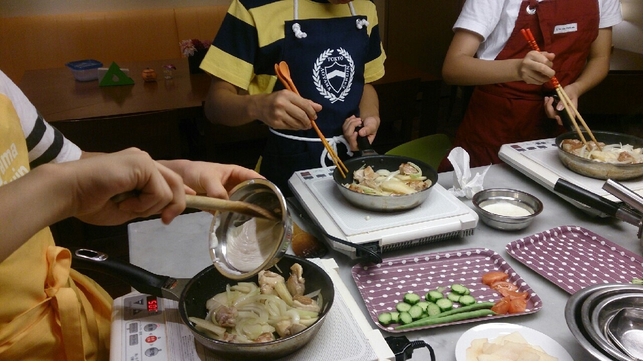 ハッピークッキング・・・フランス料理「鶏肉のグラタン、サラダニソワーズ」_f0141419_08540055.jpg