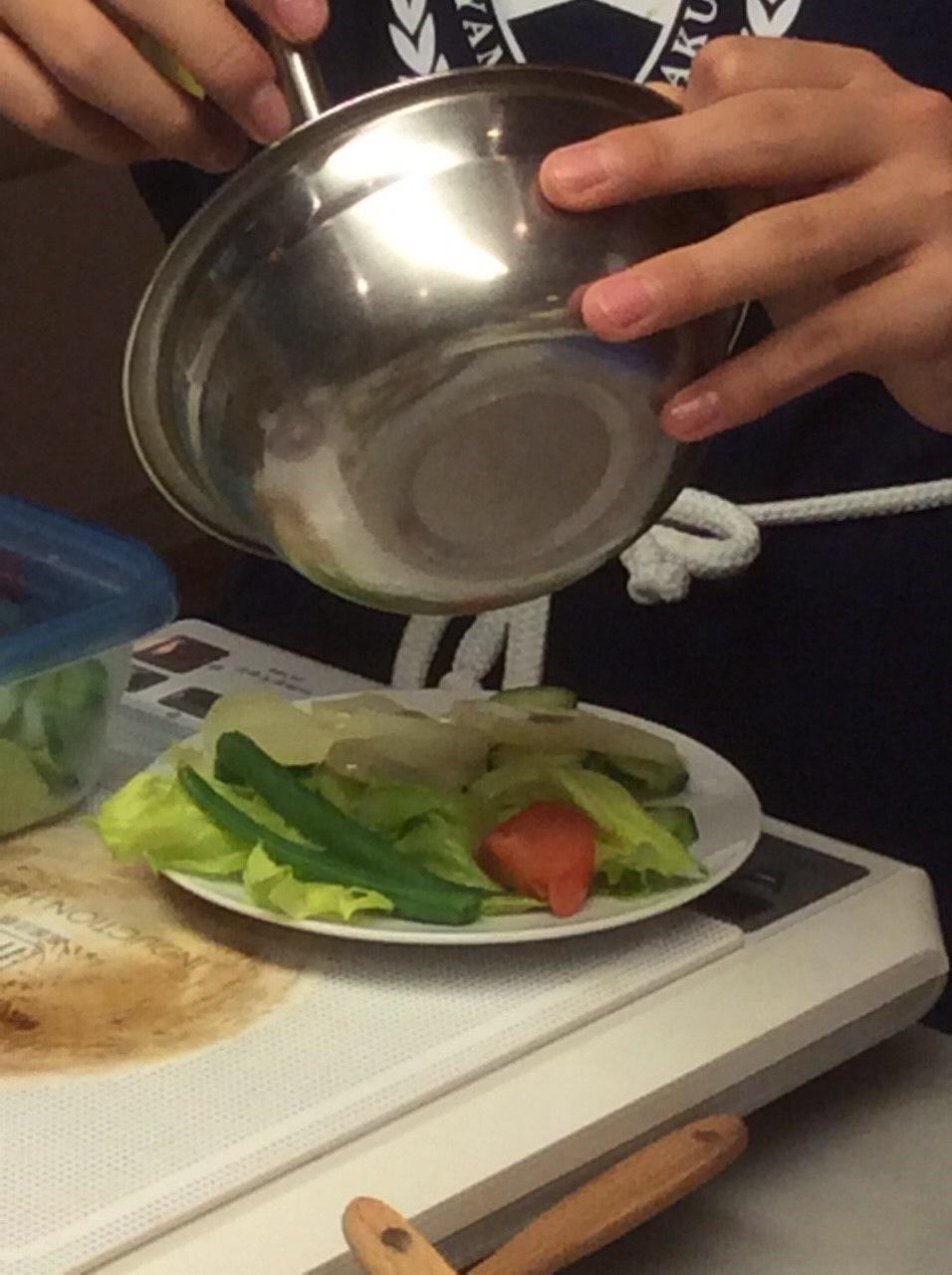ハッピークッキング・・・フランス料理「鶏肉のグラタン、サラダニソワーズ」_f0141419_08563176.jpg