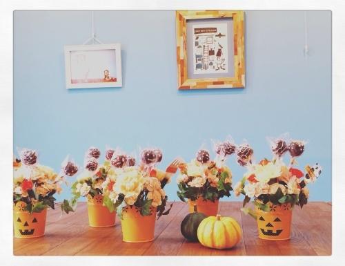 10月の見て食べて楽しいフラワーアレンジメント_e0354955_13024314.jpg