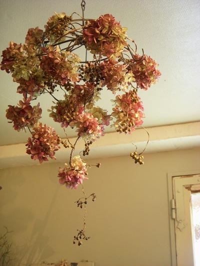 お花のシャンデリア。。。_a0229658_17211352.jpg