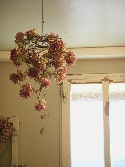 お花のシャンデリア。。。_a0229658_1722040.jpg