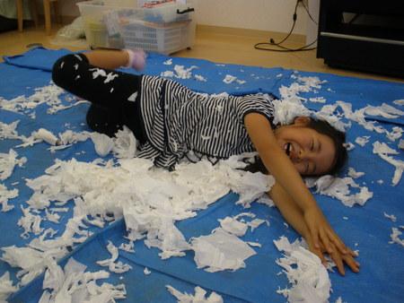 トイレットペーパーで紙粘土作り!_f0215199_113572.jpg
