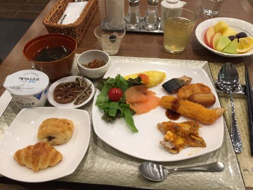 15年SWソウル  3★ホテルの朝食の内容にビックリ!_d0285416_23230543.jpg