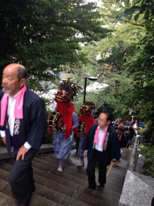 驚神社祭礼 牛込獅子舞_c0039145_13080061.jpg