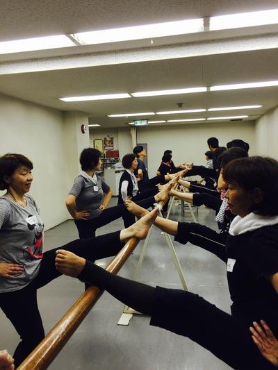 真実ダンススタジオ_a0132151_13363371.jpg