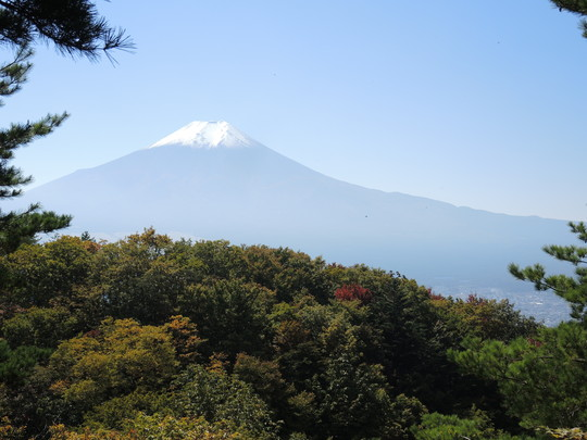 富士山の初冠雪_e0232277_1203655.jpg