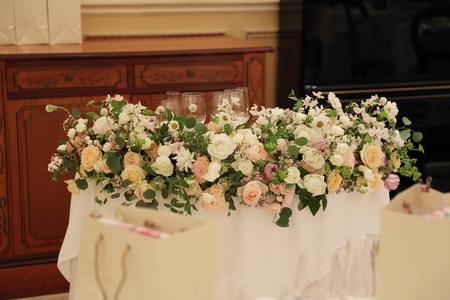 秋の装花 リストランテASO様へ 人を幸せにする花を_a0042928_12324160.jpg