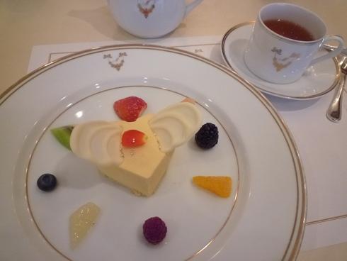 今田美奈子先生の 新宿高島屋における40年の集大成「華麗なる薔薇のおもてなし」♡。.゚。*・。♬♪*†_a0053662_1736547.jpg