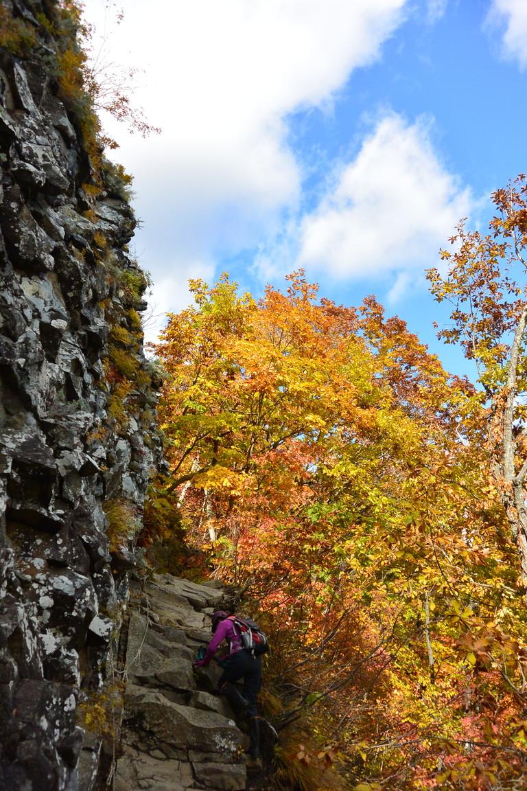"""2015年10月『深秋の八剣山』 October 2015 \""""Mt Hakkenzan (Mt Eight Teeth) in autumn colour\""""_c0219616_17494598.jpg"""