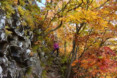 """2015年10月『深秋の八剣山』 October 2015 \""""Mt Hakkenzan (Mt Eight Teeth) in autumn colour\""""_c0219616_1750302.jpg"""