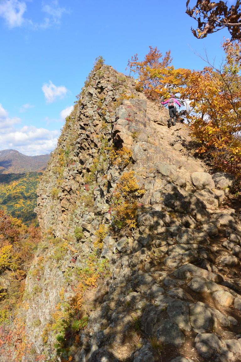 """2015年10月『深秋の八剣山』 October 2015 \""""Mt Hakkenzan (Mt Eight Teeth) in autumn colour\""""_c0219616_1752221.jpg"""