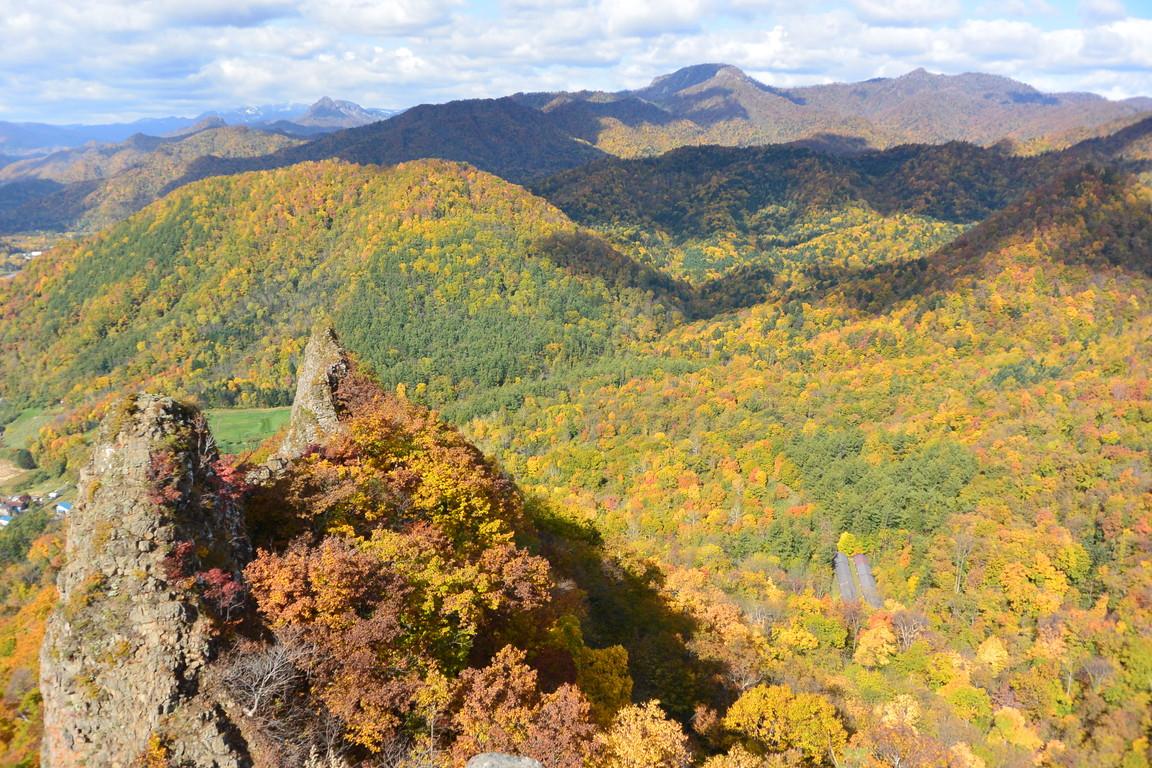 """2015年10月『深秋の八剣山』 October 2015 \""""Mt Hakkenzan (Mt Eight Teeth) in autumn colour\""""_c0219616_17552611.jpg"""