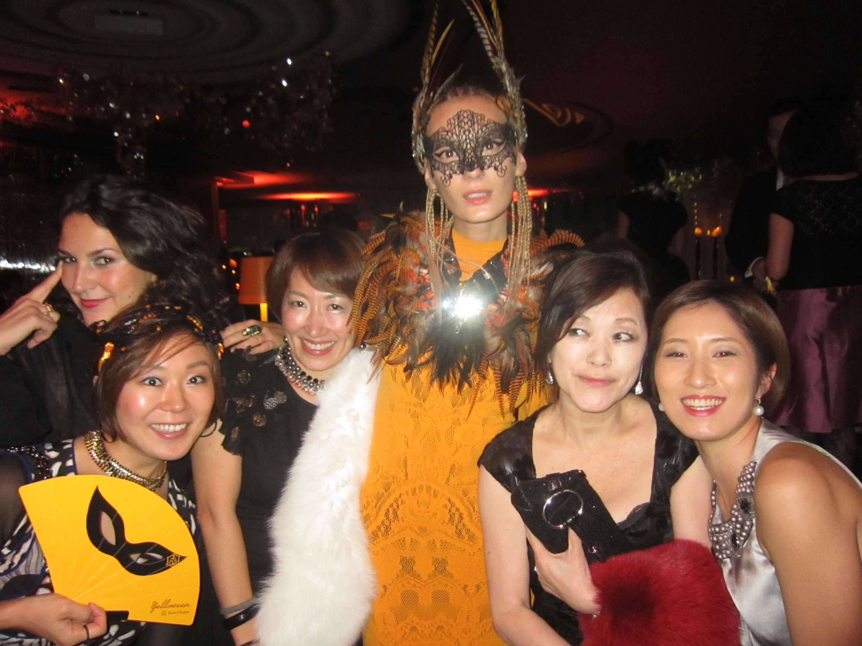 ヴーヴ・クリコ YELLOWEEN Party♪_d0339889_12024556.jpg