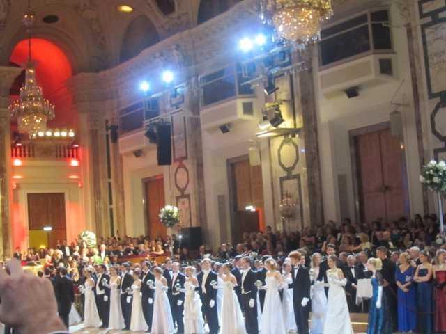 ウィーン 大舞踏会♪_d0339889_12041915.jpeg