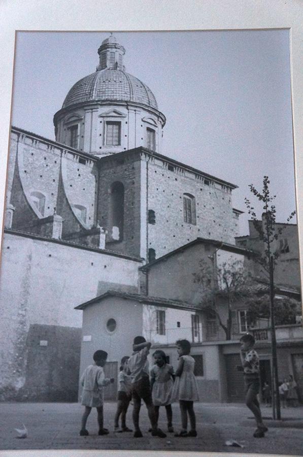 古いフィレンツェの白黒写真_f0106597_16304009.jpg
