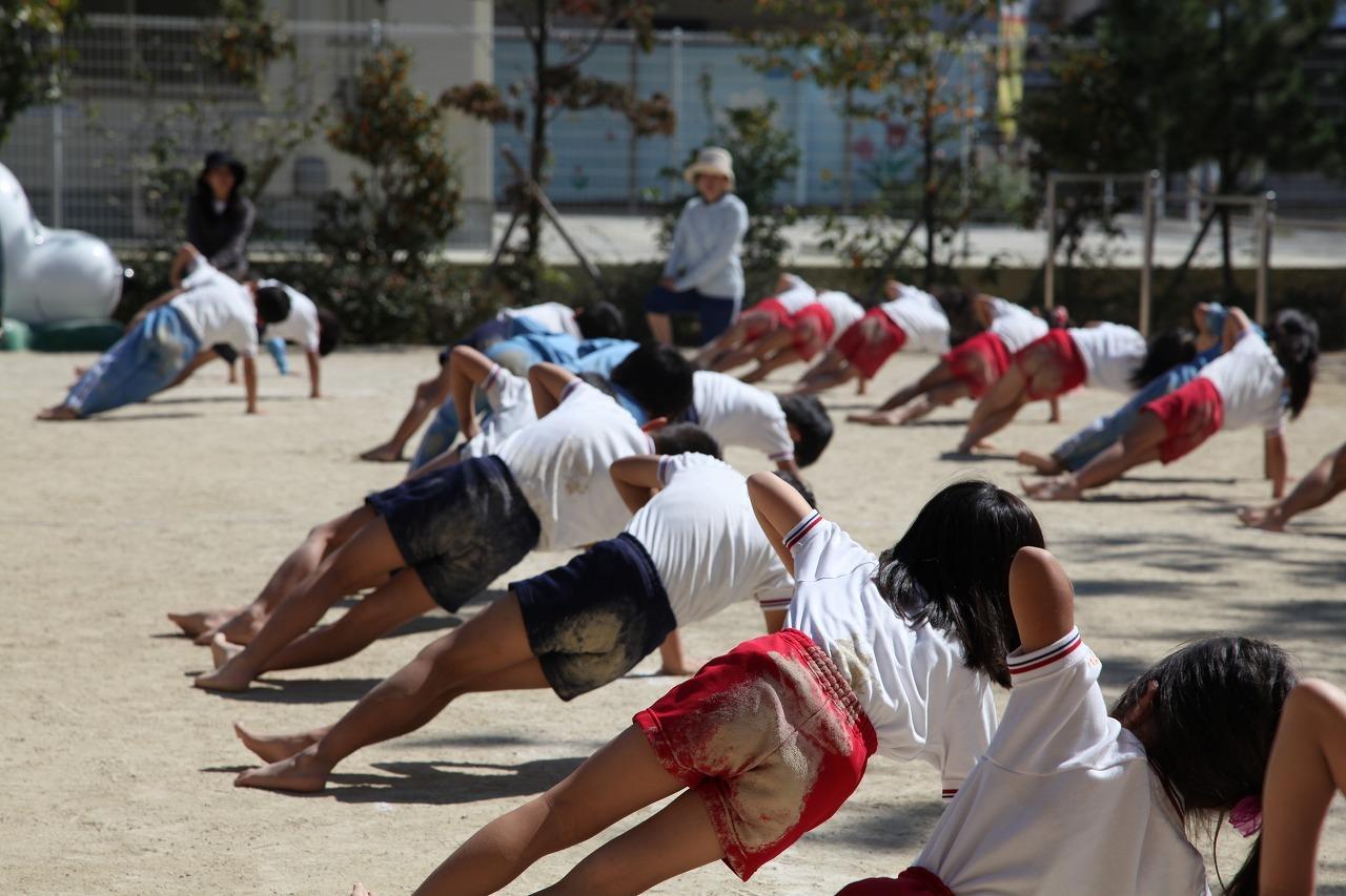 組体操(年長組)_b0277979_18360218.jpg