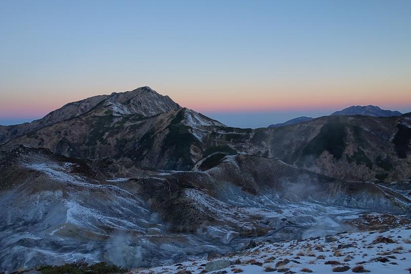 立山の早朝トレッキング_d0116009_7463849.jpg